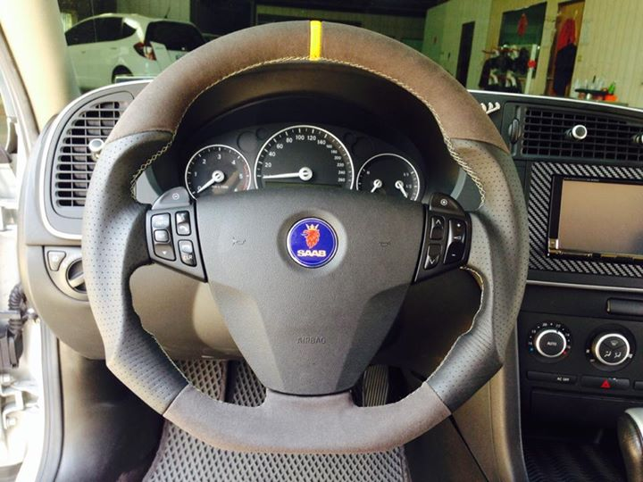 OJ Steering wheels for Saab