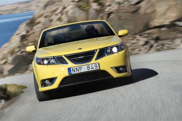 2010-Saab-9-3-Image-002-800