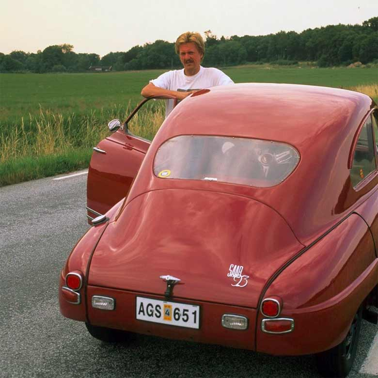 Anders Kallquist and his Saab