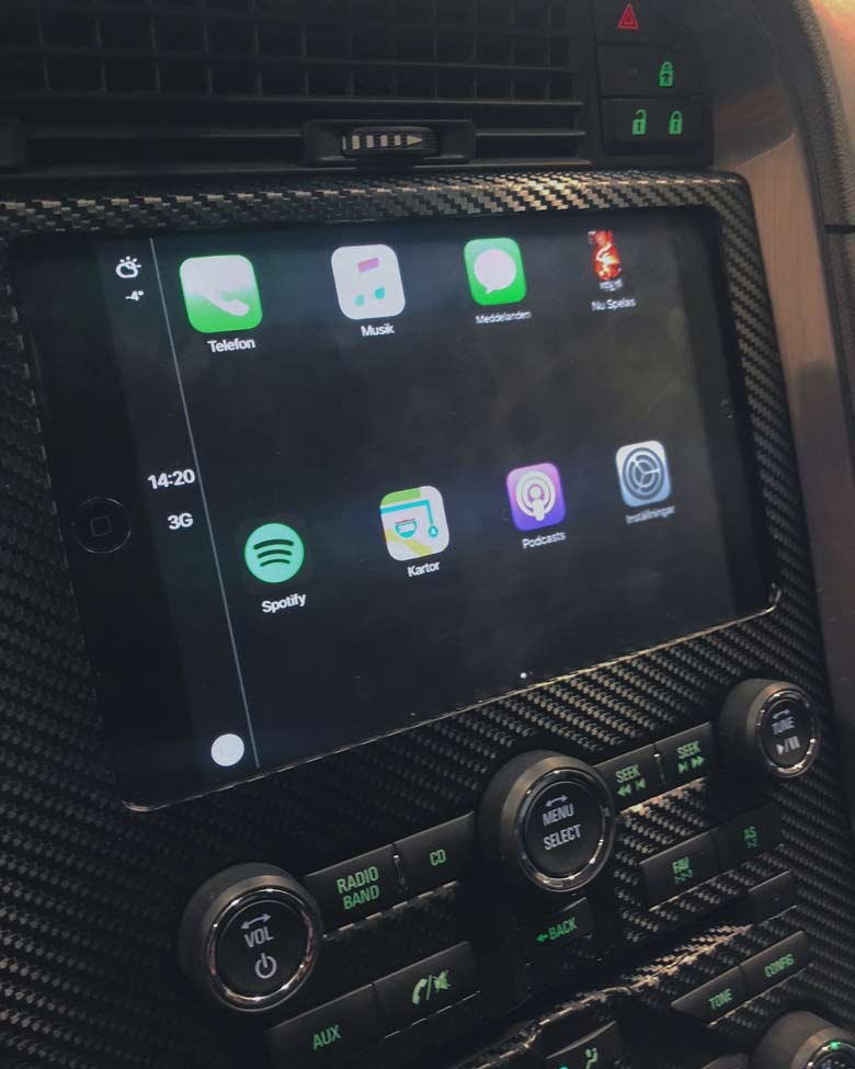 Custom made iPad mini as multimedia in Saab NG 9-5