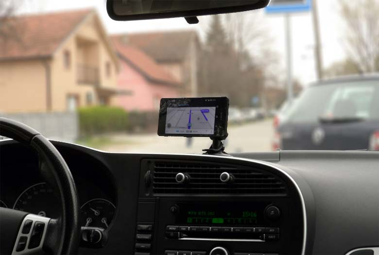 Gripgo car phone holder for Saab.jpg