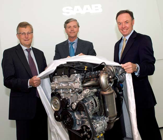 Jan Ake Jonsson & Victor Muller of Saab with Ian Robertson of BMW