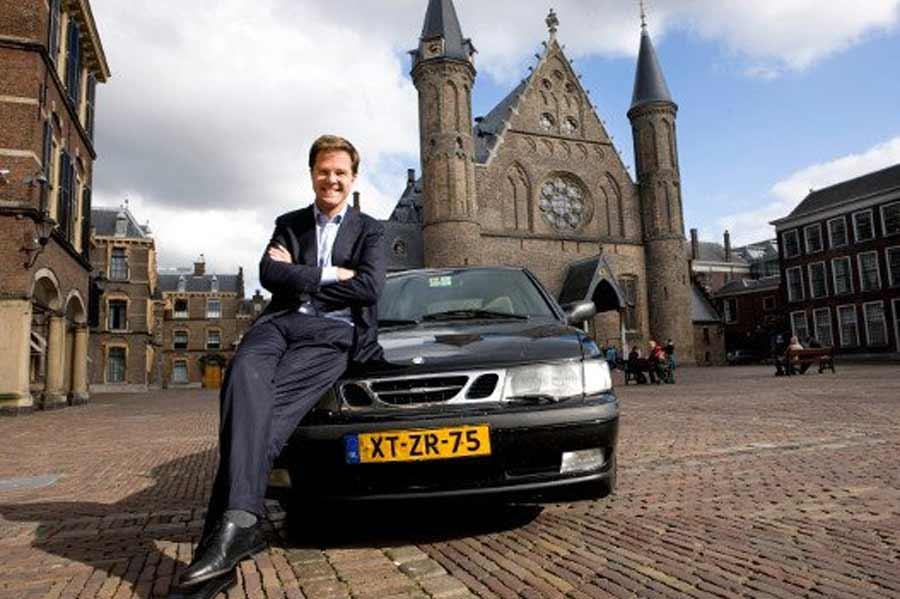 Mark Rutte and his Saab 9-3 OG