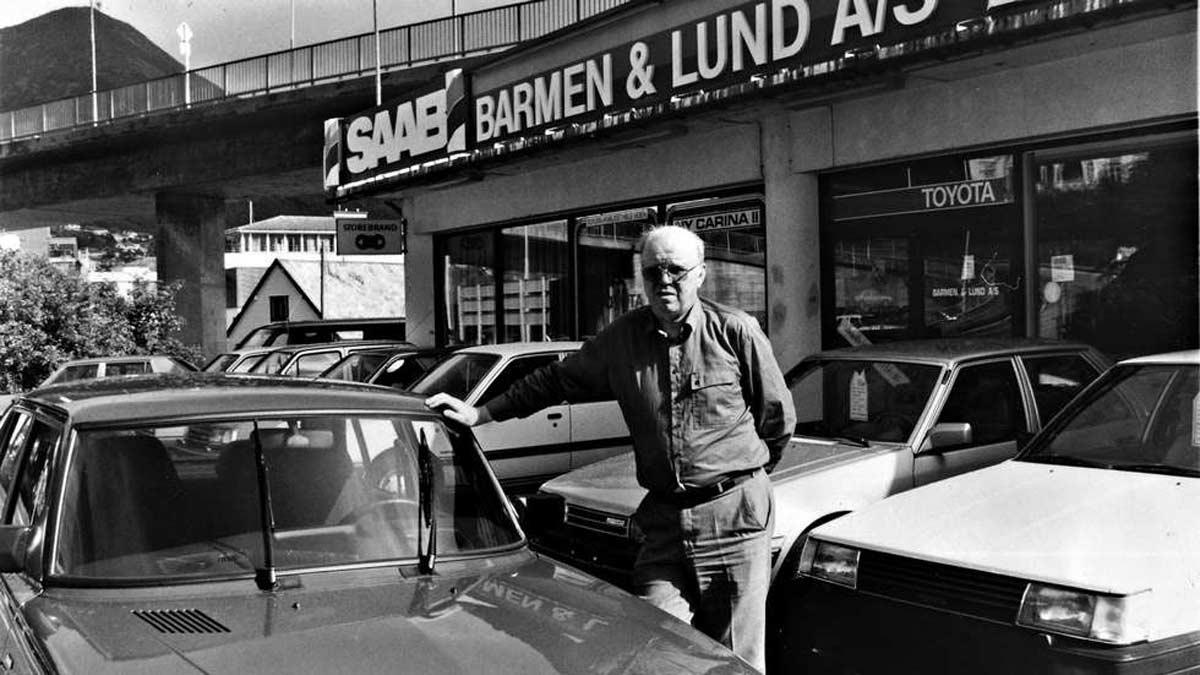 Oddmund Bartender in front of the Saab car showroom in Norway