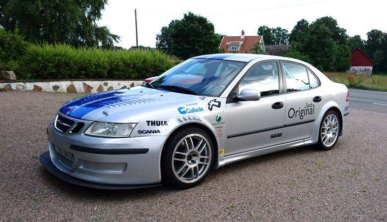 Replica of Saab 9-3 SS Diners Club Racing Team