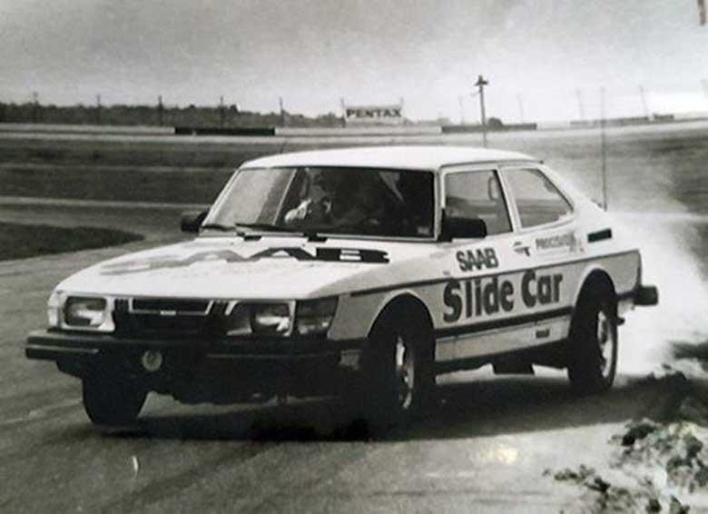 SLidecar Saab 900
