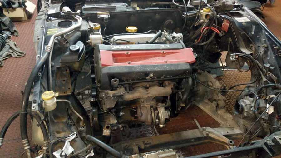 Saab 2.3 9000 engine