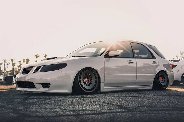 So fresh & so clean: Stanced Saab 9-2x