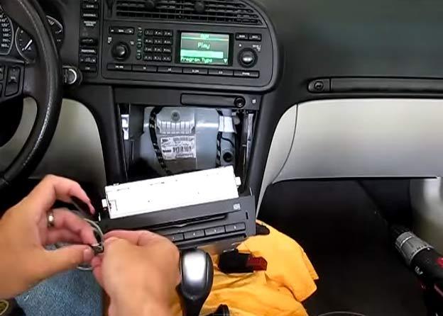 Saab 9-3 add AUX input