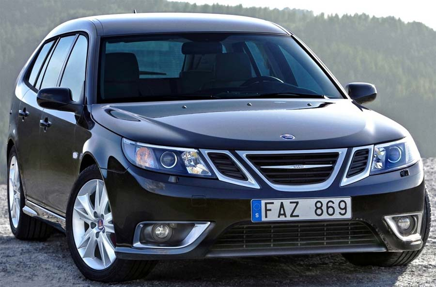 Saab 9-3 Aero - Very responsive, light, fast and POWERFUL. The Aero kit makes the look timeless.