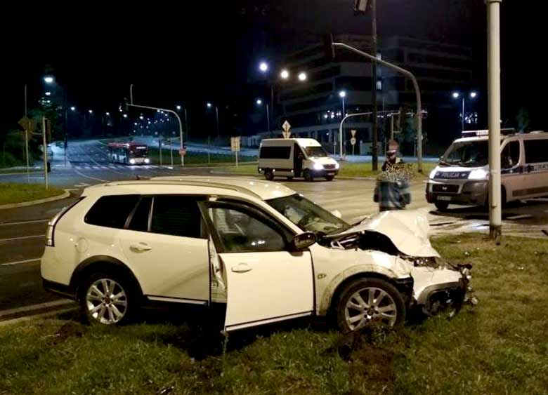 Saab 9-3x in accident
