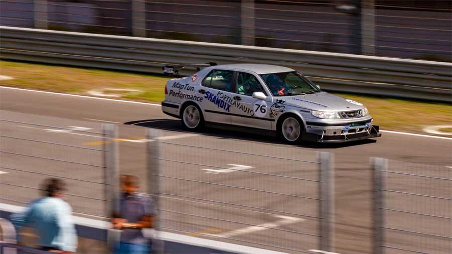 Saab 9-5 at Circuito Estoril Race Track