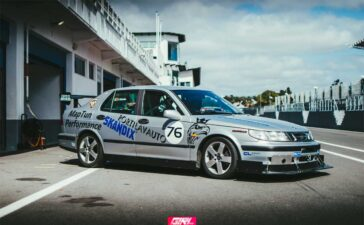 Saab 9-5 ready for the racetrack