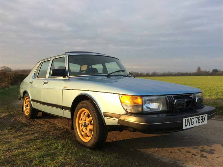 Saab 900 GLE Gold Special Edition