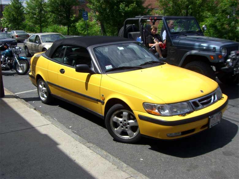 Saab 900 SE Monte Carlo Yellow