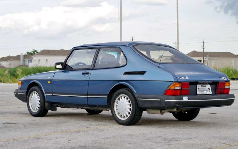 Up for sale is a '92 Saab 900S with 92,570 miles