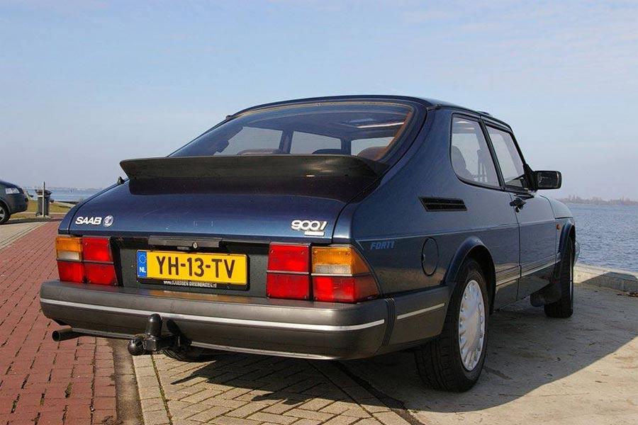 Saab 900 Forty