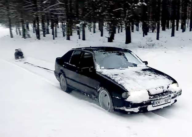 Saab 9000 in Winter conditions