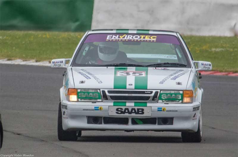 Saab 9000 racing