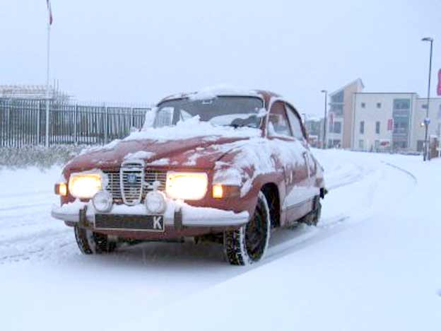 Saab 96 in winter driving conditions