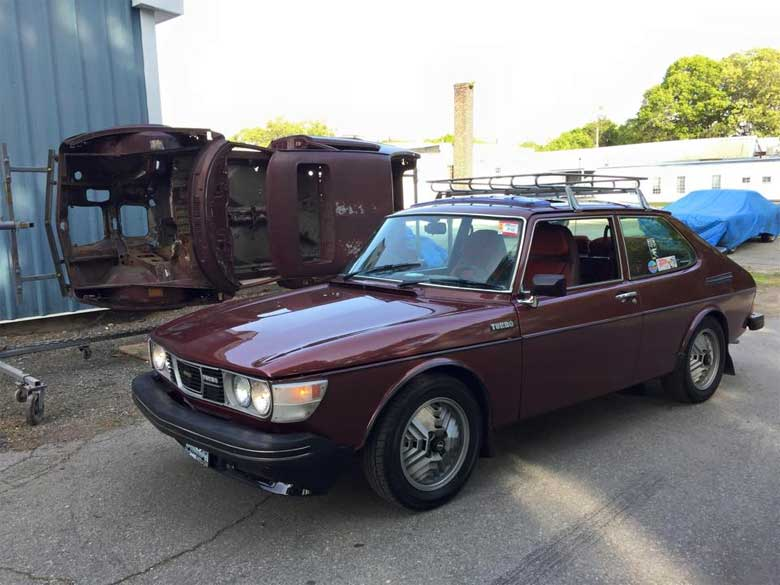 A Saab that had been in the forest for 10 years and is now back on the road