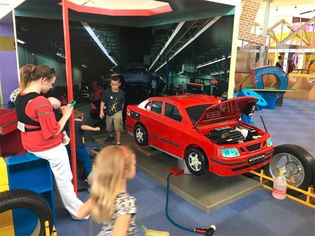 Kid's Saab Service Point