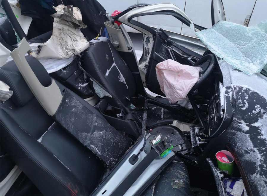 The Cockpit of the vehicle remained almost intact thanks to the reinforced steel panels around the cab of the Saab 9-3