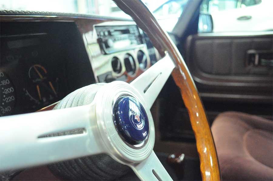 Saab 900 wooden steering-wheel