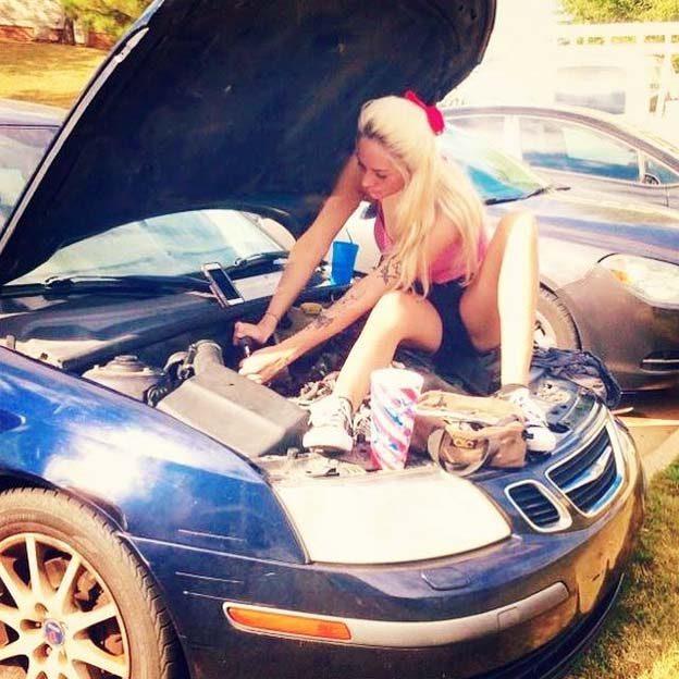 Saab woman mechanic