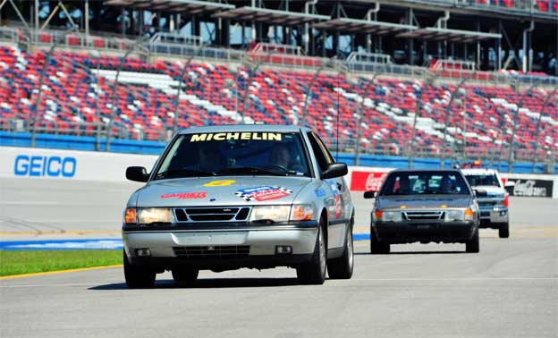 Saabs at Talladega track (Photo Zhou Guangyi)