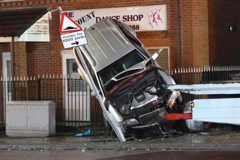 High Speed Chase in Stolen Saab 9-3 Ends With Audi shunted onto railings