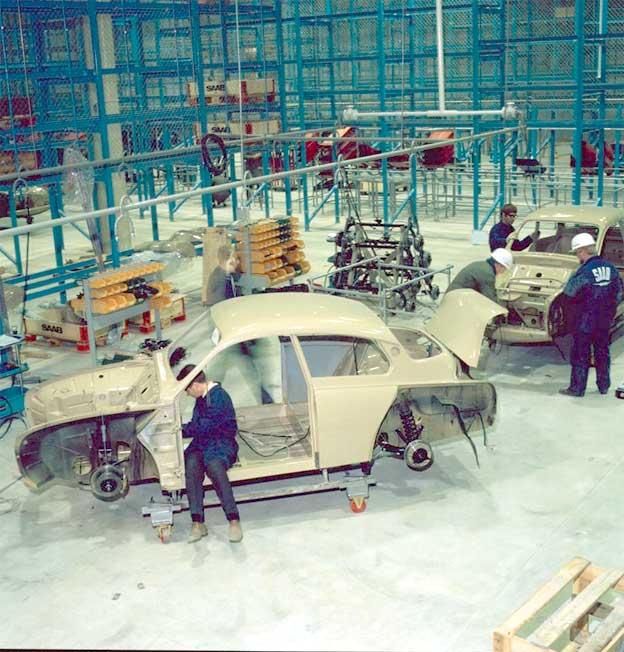 Beige Saab 96 in Uusikapunki