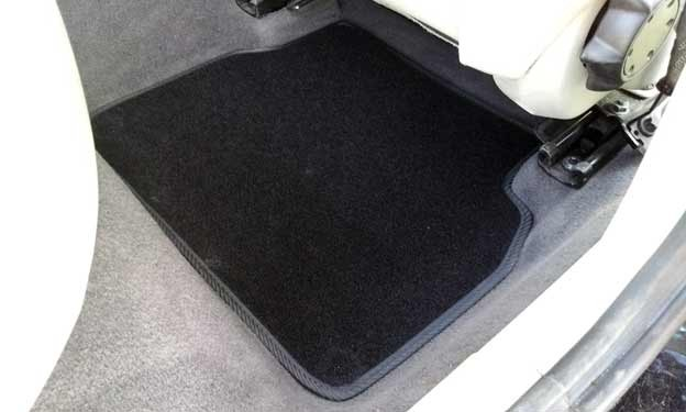Floor mats rear seats