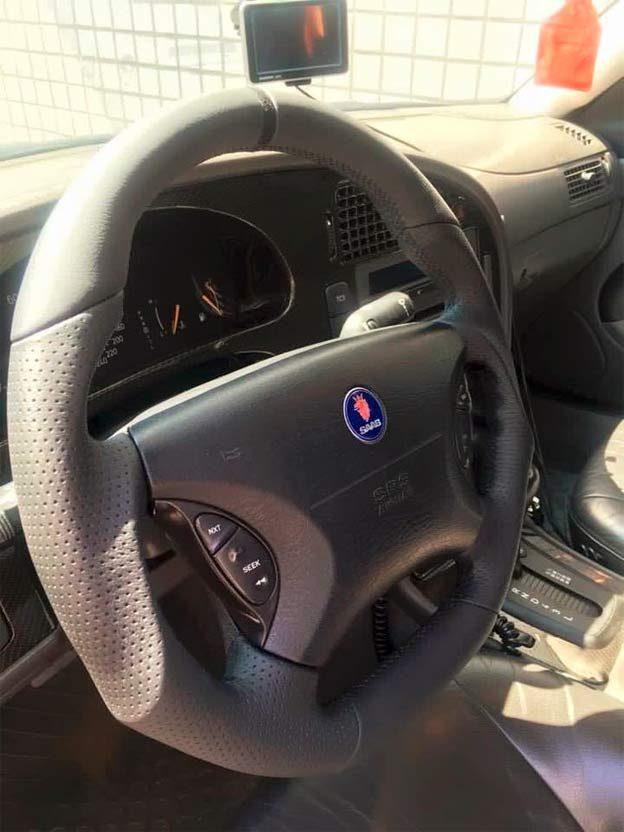 Custom steering wheels for Saab