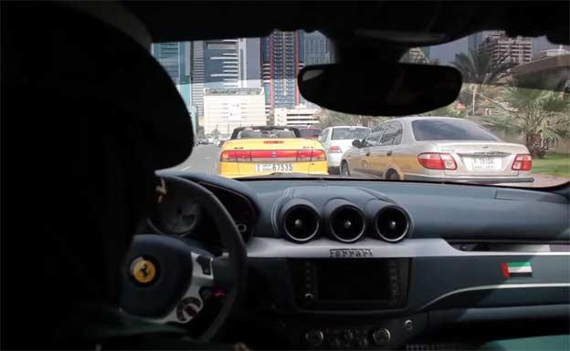 Saab 900 cabrio pulled over by Police Ferrari FF