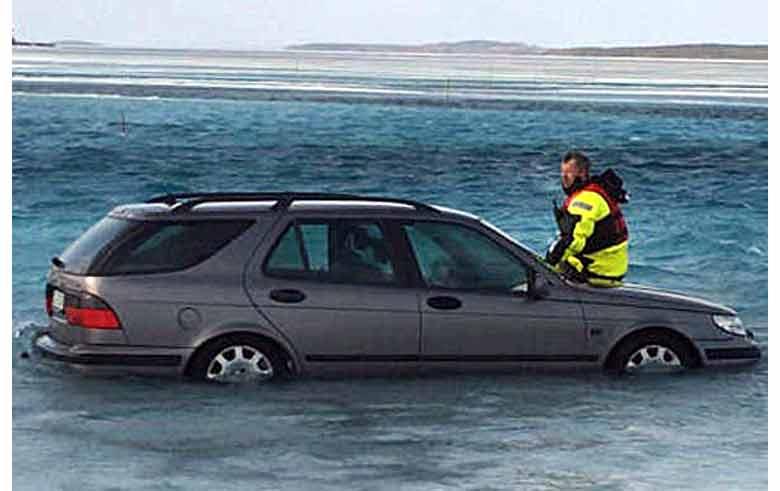 Immersed Saab 9-5