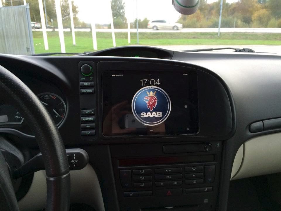 DIY: iPad in a SAAB 9-3