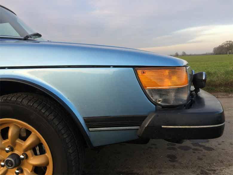 Saab 900 with original gold minilite alloy wheels
