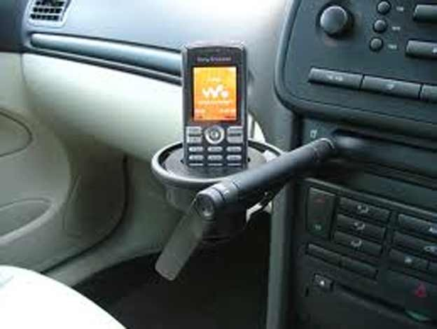 Saab 9-3 Cup Holder as a Phone Holder