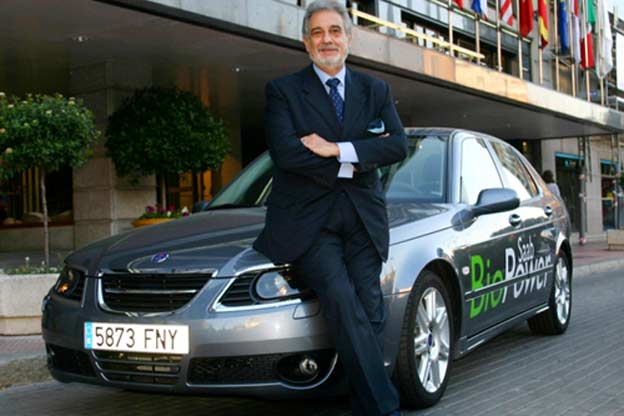 Plácido Domingo drove the Saab 9-5 BioPower