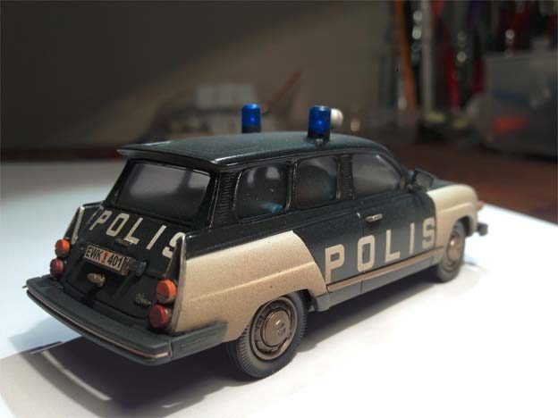 Police Saab 95 scale model