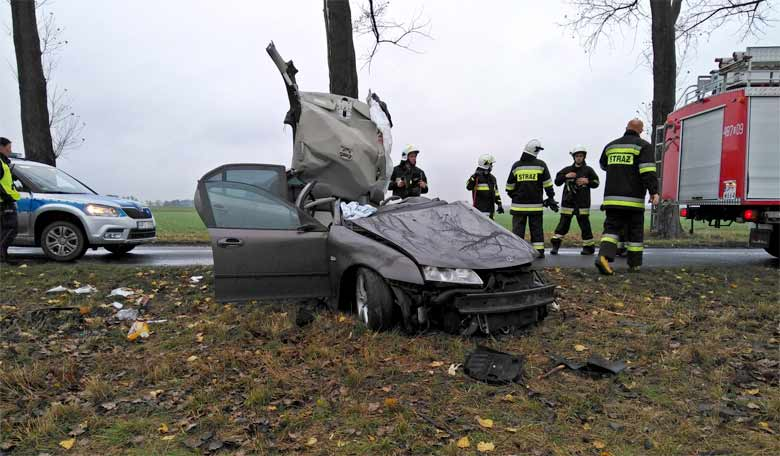 Saab in road accident
