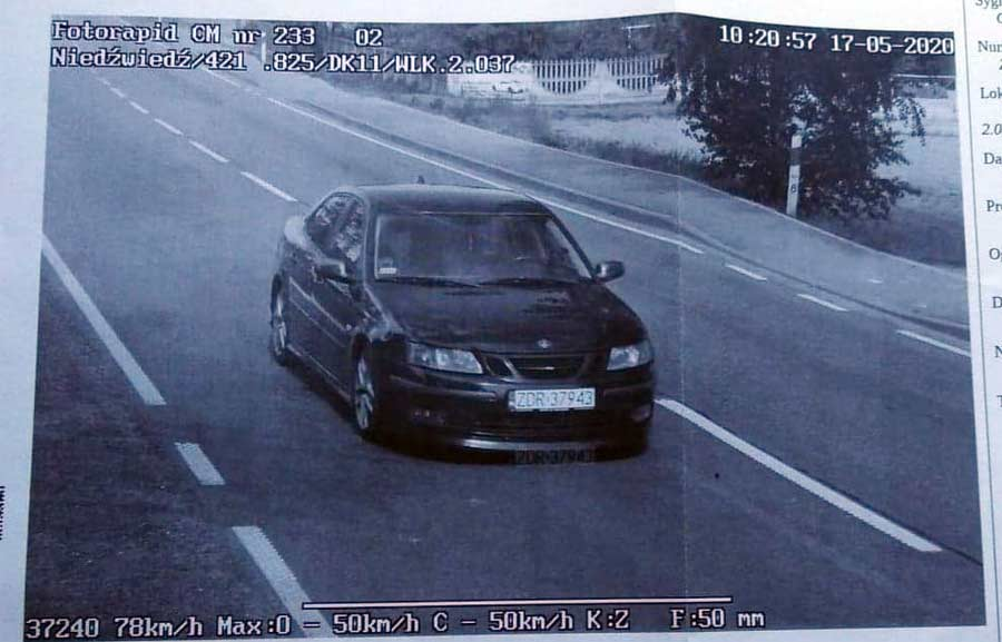 Saab 9-3 filmed by a police Speed camera