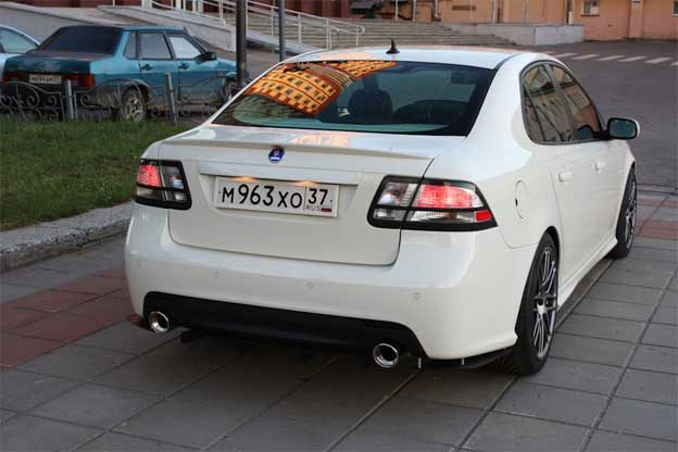 saab 9-3 Aero Rear Side