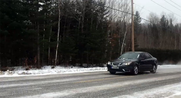 Saab 9-3 Aero AWD on Icy road