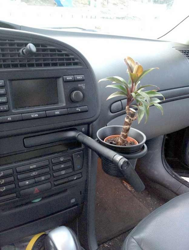 Saab 9-3 Cup Holder as Flower Pot Holder