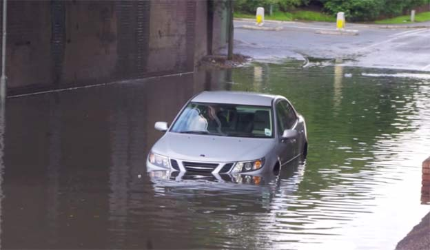 Saab drive through flood - Don't Try This at Home