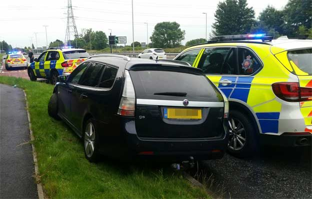 Saab 9-3 in Police chase