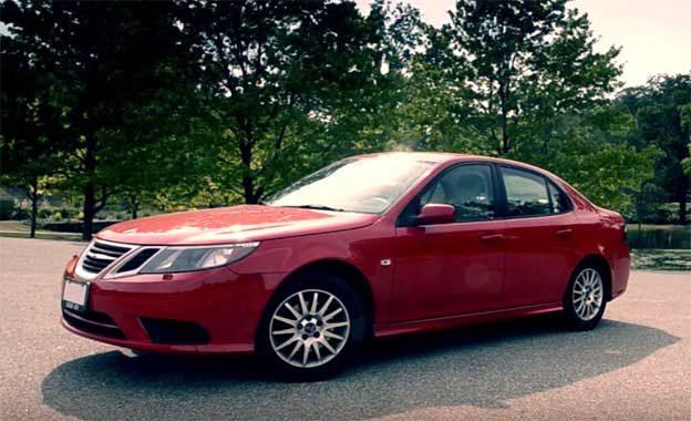 Red Saab 9-3 2.0T