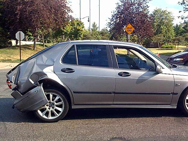 A real life Saab 9-5 crash test illustrates how a crumple zone absorbs energy from an impact.